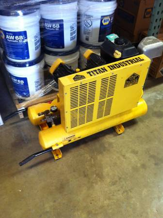 Titan Industrial Gas Air Compressor - $550 (Pride)