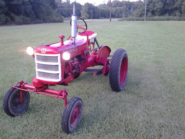 1950 farmall cub international harvester w grader blade and woods belly mower - $2400 (french settlement)