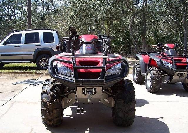 2 400  Two ATVs 2006 Honda Rincon with Trailer