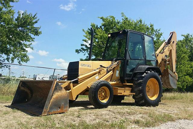 2 500  1992 Ford 555C Loader Backhoe