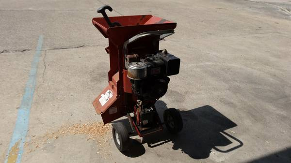 Chipper 8HP Troy-bilt Super Tomahawk Wood Limb Chip TroyBilt Chopper - $400 (Baton Rouge, LA)