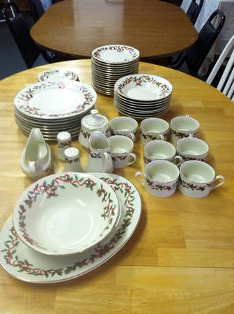 Retroneu porcelain china - $55 (paulina, la.)