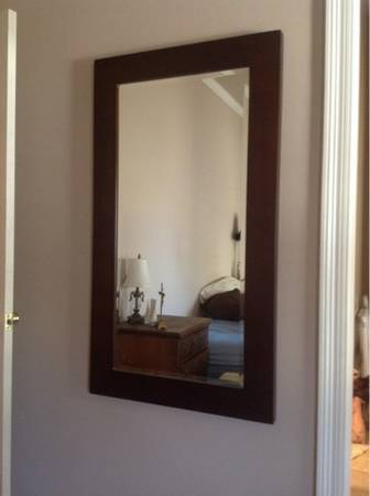 MIRROR FROM CHRISTIAN STREET FURNITURE $175 - $175 (WATSONDENHAM)