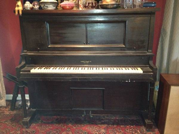 Piano - Upright - Going for a Song Buy it - $50 (Baton Rouge, LA)