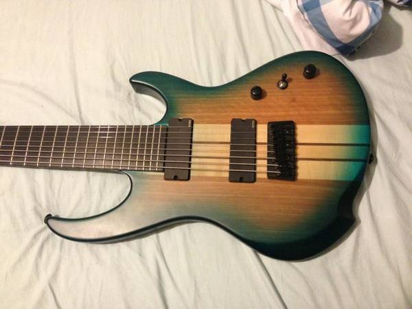Agile 827 8 string guitar - $775 (New Roads)