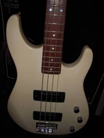 Peavey Foundation Bass guitar USA - $100 (DS)