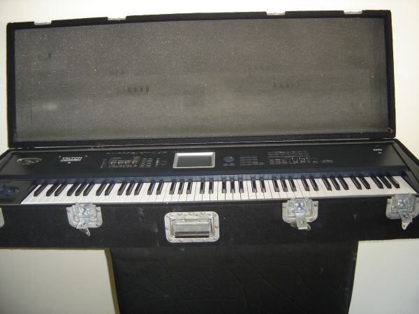 Korg Triton Extreme Synth Peavey KB 300 Keyboard Amp - $800 (Gramercy, Louisiana)