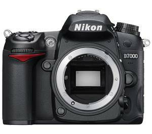 NIKON D7000 w18-55 lens ( Factory Refurbished ) - $600 (1320 Alabama Street, Baker, La. 70714)