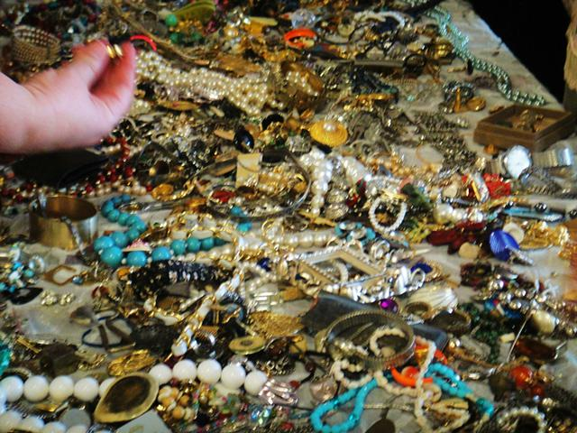 Jewelry Wanted real or fake and I also Buy Old Coins especially gold silver Mexican pesos