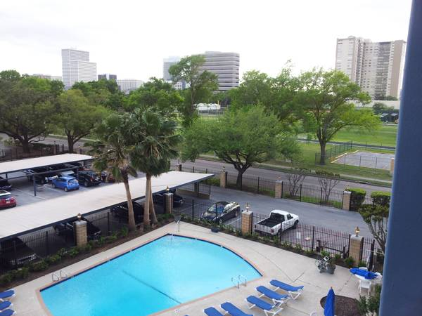 2br - 1100ft sup2  - Swap Houston for Dallas
