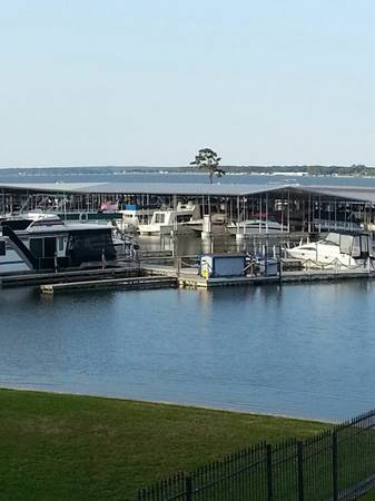 - $225 3br - 1800ftsup2 - Lakefront Townhouse-Marina, Pool, Golf Course (Lake Conroe-Montgomery)