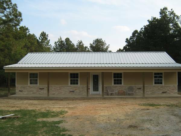 - $209900 3br - 1560ftsup2 - 2013 House on 15 acres (Lufkin)