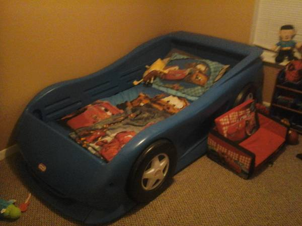Race car bed blue little tikes