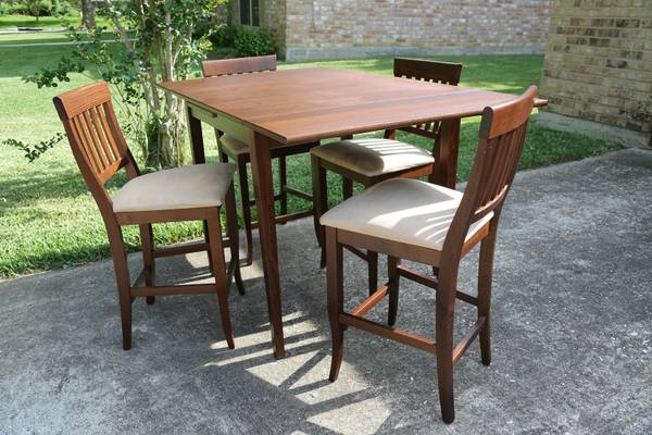 Dining Table and 4 Chairs (Pier 1, Made in Italy), Lightly Used - $125 (Beaumont, TX)