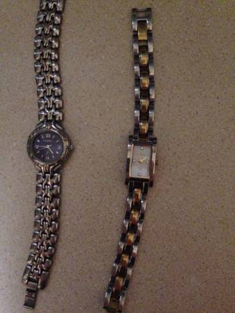 2 women s fossil watches -  30  Beaumont