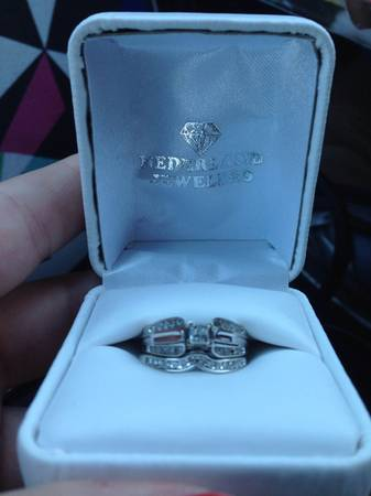 10 ct white gold bridal set size 7 -  600  Mid County Area