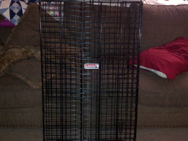 Petco folding dog kennel  H29 5 xW26 xL42  -  35  Port Neches