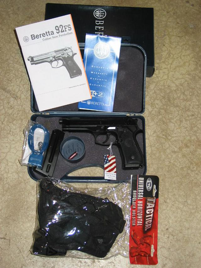 600  Beretta U S A  Corp  BERETTA M9 9MM-COMPLETE PACKAGE 9MM