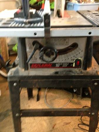 10 Skill Table Saw with stand - $80 (Port Neches)