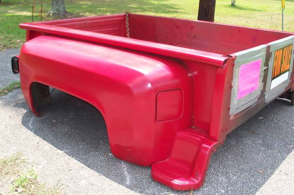1983 chevy swb short bed step side bed fits 73-87 years - $250 (EVADALE , TX)