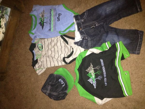 Baby outfit $35, 7pair of shoes 2-4 toddlers - $35 (Port arthur)