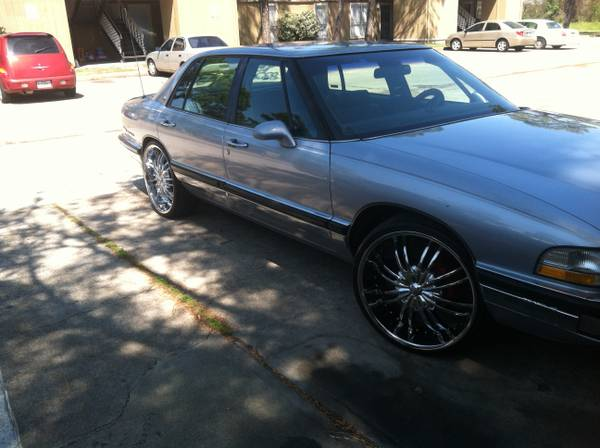 94 buick parkave on 22s ( mint ) - $44 (houston)