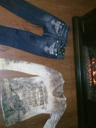 Miss Me Jeans size 27 Rodeo Shirt Cavenders Boot City - $70 (Beaumont, Tx)