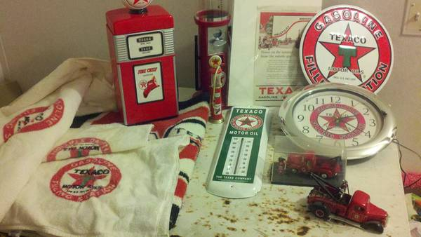 Lot of Texaco items - Awesome condition -   x0024 200  call Kirbyville