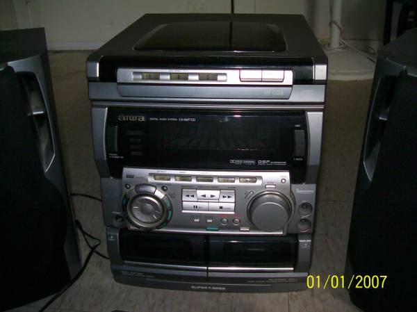 Digital Stereo System, 3 disc changer..... - $20 (Orange)