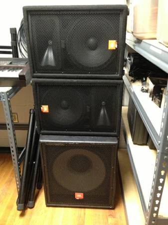 JBL Sub woofer and 2 JBL Speakers for Sale - $700 (Beaumont LCA)