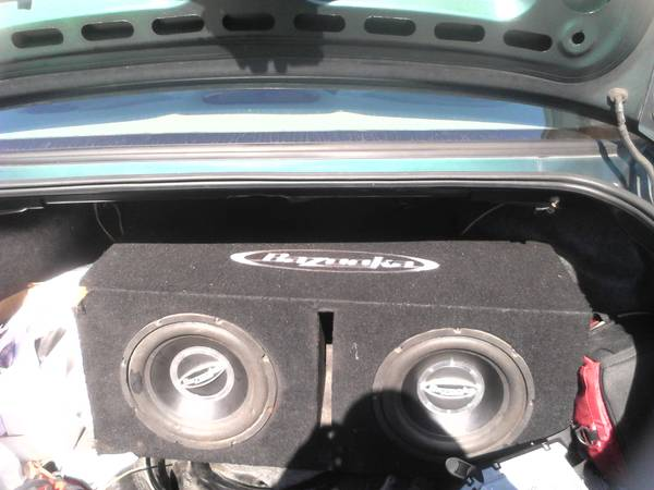 2 bazooka 10s in matching ported box with 400 watt dual - $250 (beaumont tx)