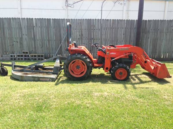 Kubota Tractor L2800 4wd HST Front loader Cutter Box Blade (112 Hours) - $9800 (Port Neches)