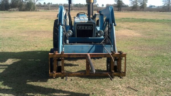 Ford 5900 Tractor - $14500 (Beaumont)