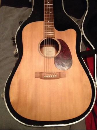 Martin DCME Mohagany AE Dreadnought Cutaway with case - $800 (Orange)