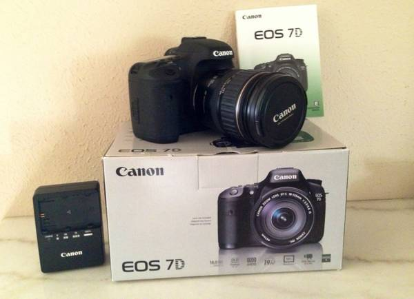 Canon EOS 7D and lens with lots of extras  -  1700  Lumberton
