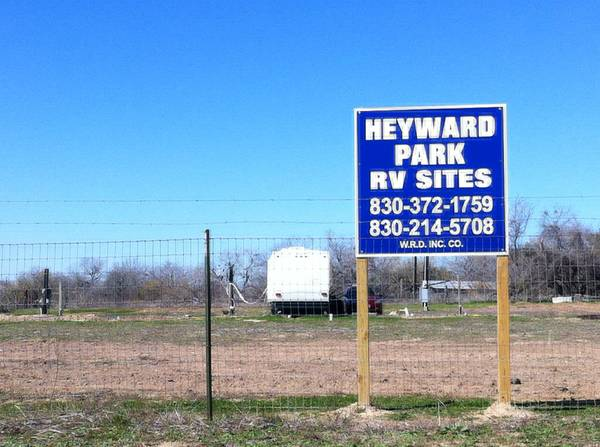 280 RV SITES  SEGUIN TX