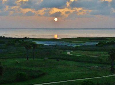 -  125   2br - 1055ft sup2  - Sand N Sunsets   Pointe West Resort  Galveston Island