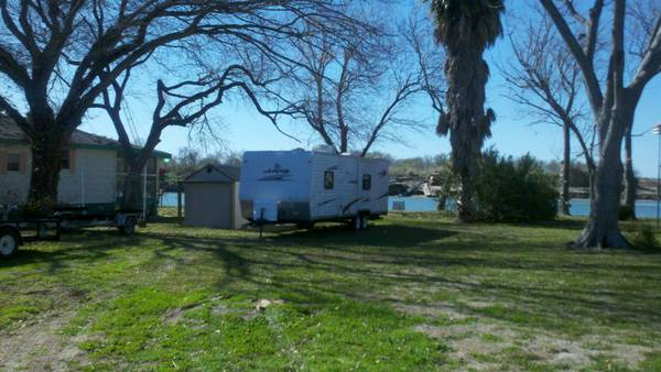 -  150   2br - 1300ft sup2  - River Cabin  Matagorda  Texas