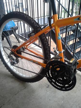 huffy mountain bike 15 speed - $100 (Midland)