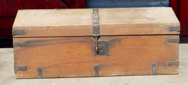 ANTIQUE CHEST BAUL ANTIGUO -   x0024 200  McAllen
