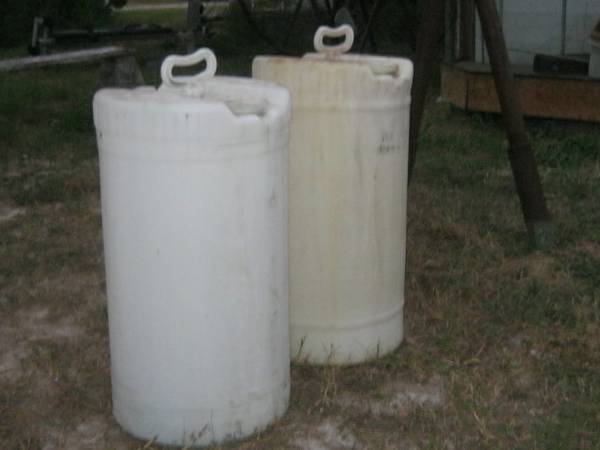 Plastic Containers     Water or Fuel -   x0024 30  2420E  King-Kingsville Texas