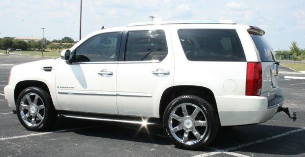 2007 Cadillac Escalade Ultra Lux Pckg 22s Navigation DVD SwEEt Ride - $25995 (NW San Antonio -- Huebner Rd)