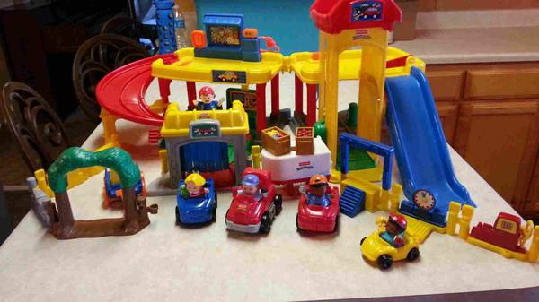 Fisher Price Little People Set -  25  Concho Valley