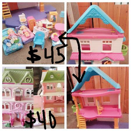 2 fisher price doll houses -  45  del rio tx