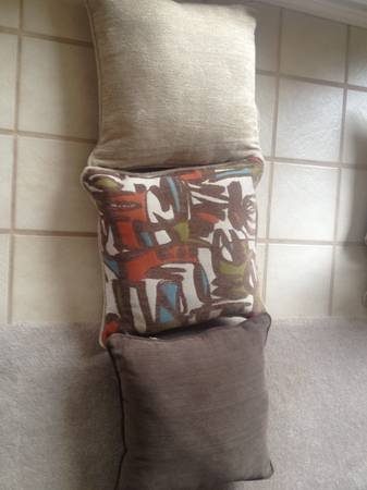 Decorative Pillows  -  100  Midland