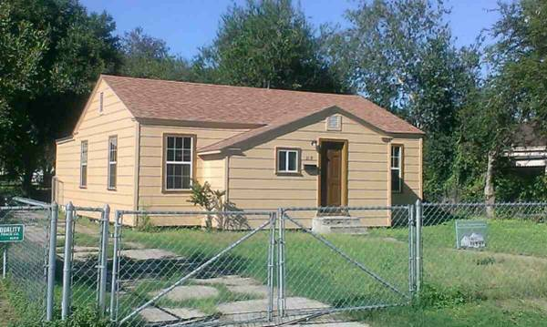 2BR 1BA 1 224 SF House in Alice - Seller Finance Available  -  95000  319 W  Fourth  Alice  TX 78332