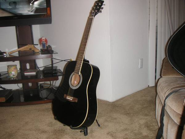 Gibson Maestro Black Acoustic W  Stand  amp  Case -  1  Midland