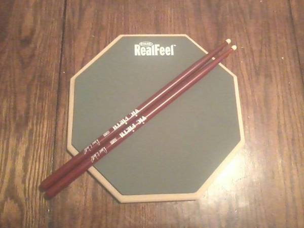 7 peice wineberry red pearl  seat   sticks   practice pad  Midland