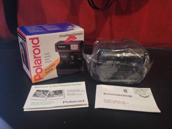 Polaroid Instant Camera  In box   Vintage  -  30