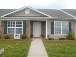 330  3br  spacious studio apartment  call today  5 30-798-5212